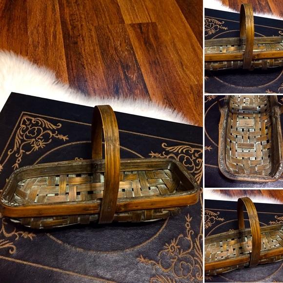 🦋2/$10 3/$15 4/$18 5/$20 Vintage Basket
